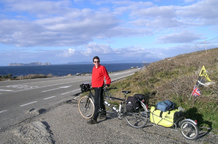 Across the border! Having cycled the length of Portugal, we then took on the rias of Galicia.