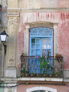 Faded charm... old building in Setubal