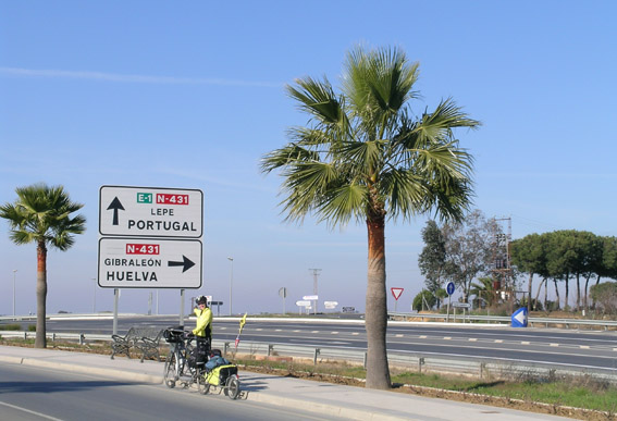 Approaching the border with the Algarve in January - the palm trees are a clue.