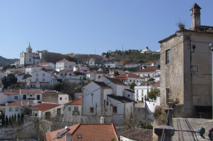 Alenquer's old centre climbs above the river - as do you