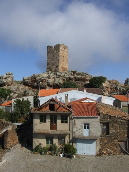 Castle tower at Penas Roias