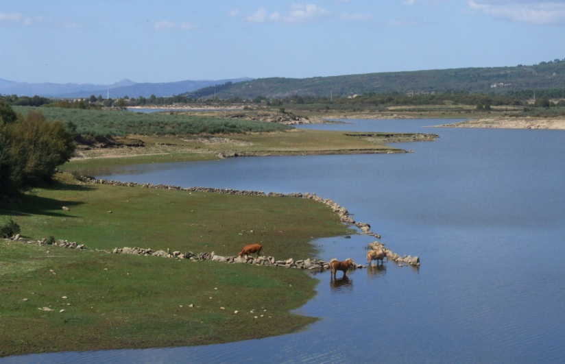 Approaching the frontier - crossing the Rio Salas north of Tourem