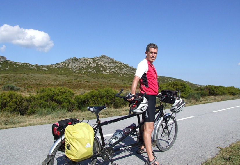 On the road to Tourem on the northern border with Spain