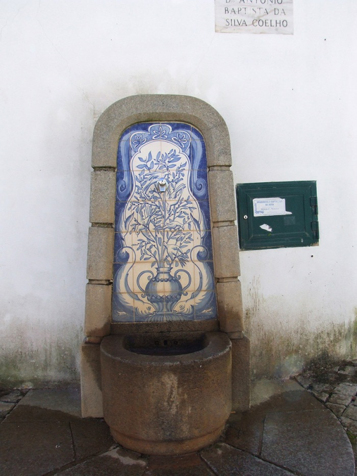 Old fountain in Alferce