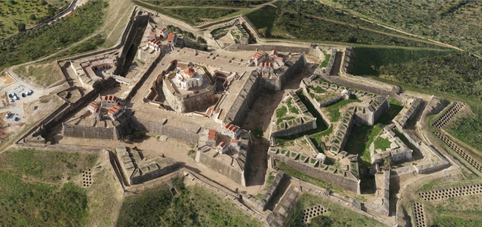 An aerial view gives an idea of the size of the fort