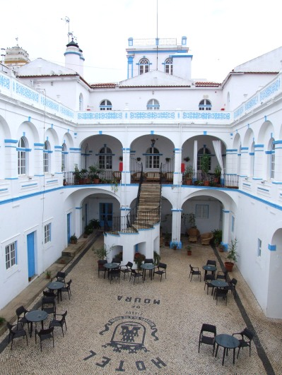 Rear view of the Hotel de Moura